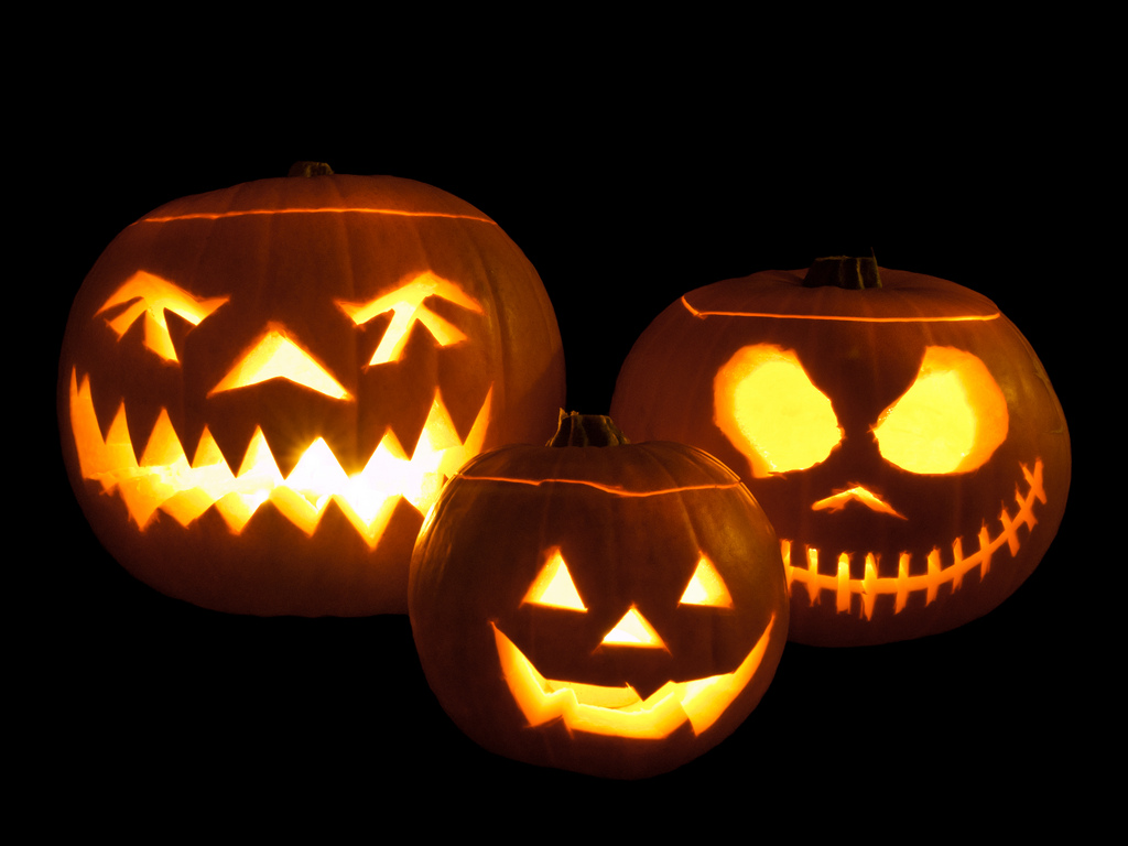"""Do the """"Monster Mash"""" for these Scary-Good Halloween Offers from FlexOffers.com"""