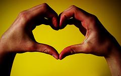FlexOffers.com's Valentine's Day Deals Guide